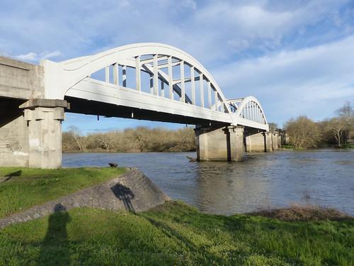 Quel est ce pont? pont de la Marquèze, de type bow-string, au-dessus de l'Adour, à Josse, Landes.