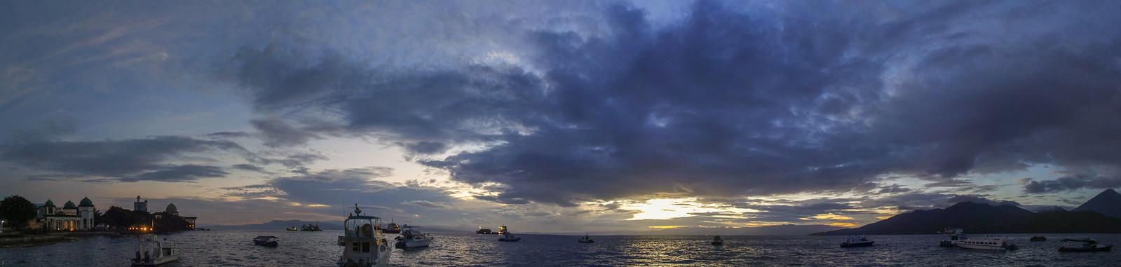 Amanecer nuboso en Ternate