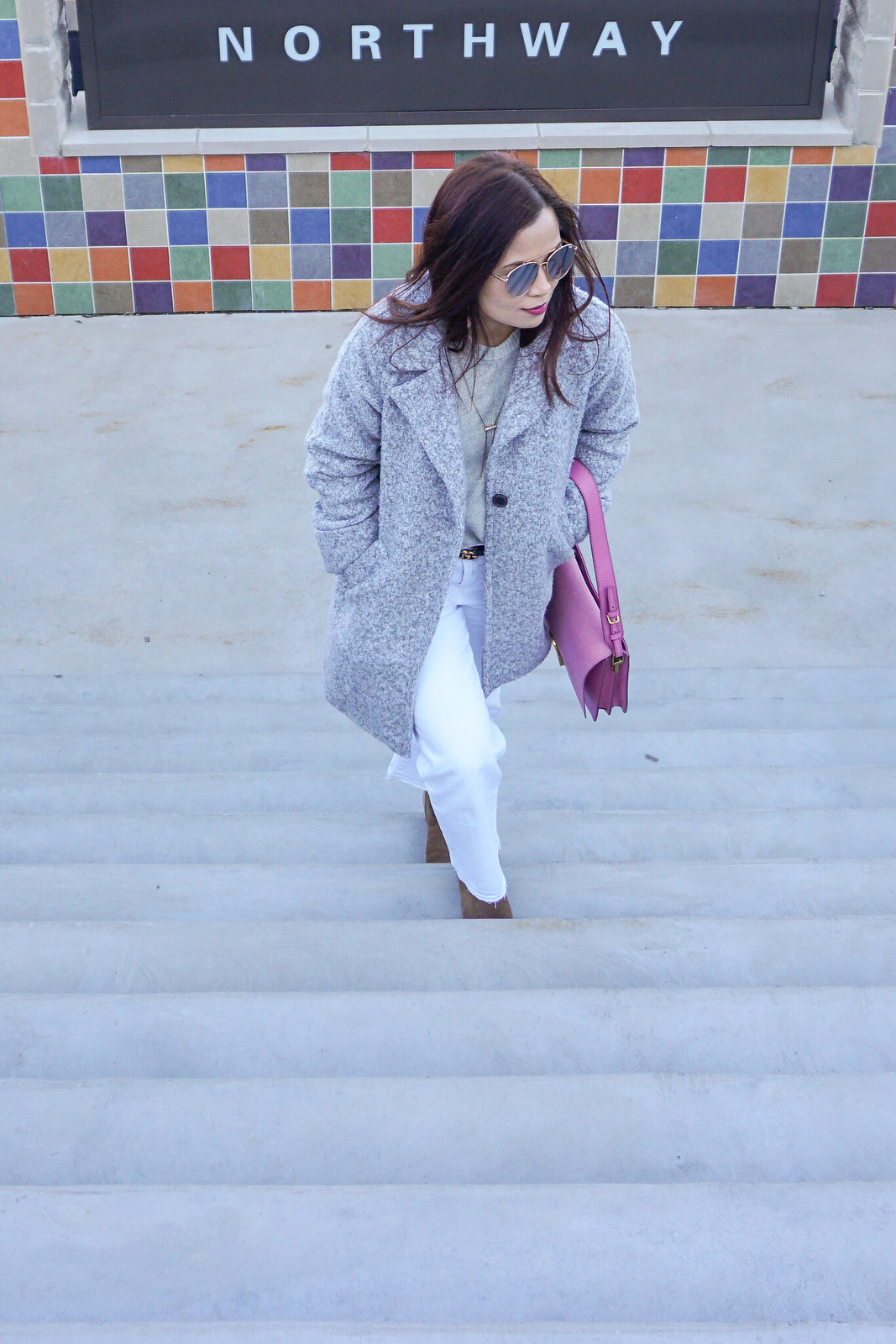 gray-coat-white-jeans-9