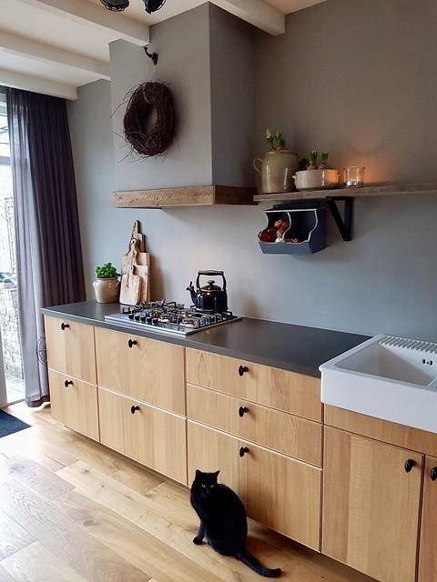 Landelijke keuken zonder bovenkastjes