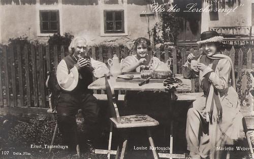Ernst Tautenhayn, Louise Kartousch and Mariette Weber in Wo die Lerche singt (1918)