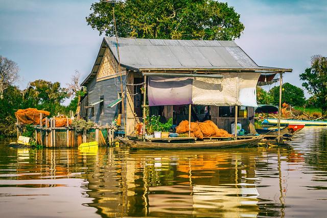 Houseboat (II)