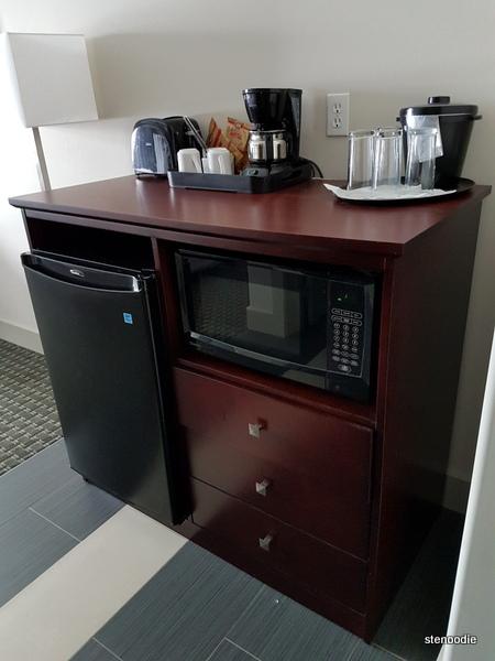 Chateau Nova Yellowknife Hotel appliances