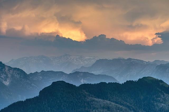 *Trattbergalm @ evening sky*