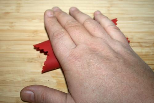 09 - Knoblauch schälen / Peel garlic