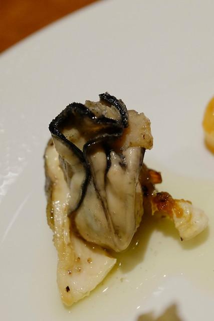 川魚のイワナと、牡蠣のコンフィ