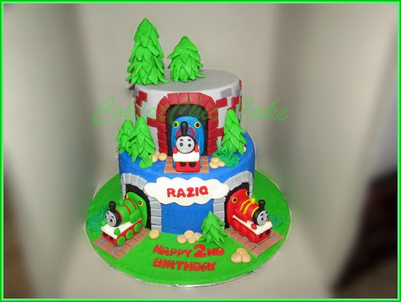 Cake Thomas RAZIQ 15 cm & 12 cm