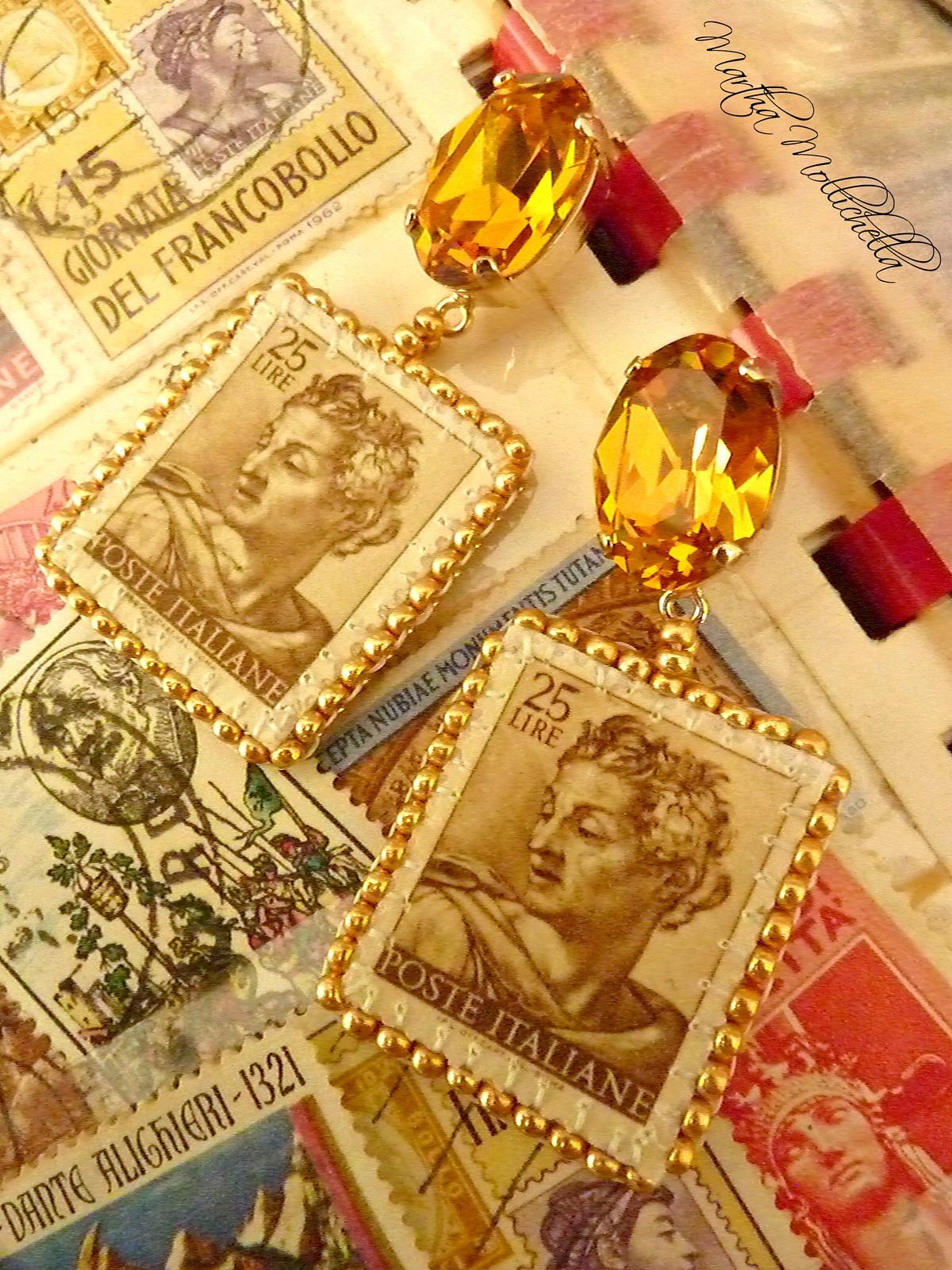 Filatelia, collezionismo di francobolli, gioielli filatelici, gioielli francobolli, francobolli fatti a mano da Martha Mollichella