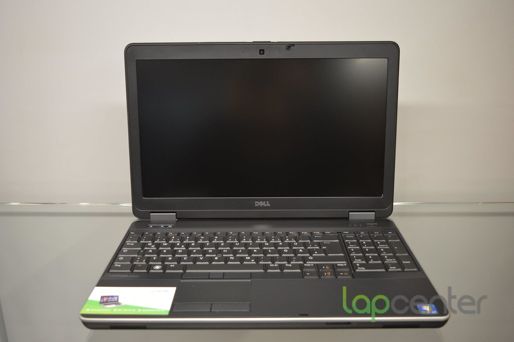 DELL LATITUDE E6540 I5-4300M 4GB RAM 320 GB HDD WIN7PRO