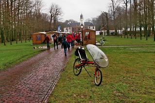 Ligfiets op de kerstmarkt bij de Fraeylemaborg