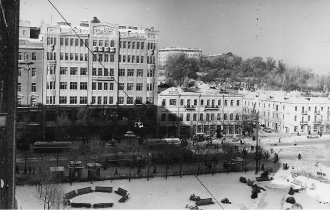 Начало Крещатика от площади Сталина (Европейской площади), 1953-й год