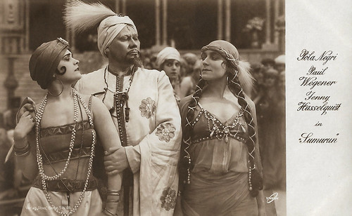 Pola Negri, Paul Wegener and Jenny Hasselquist in Sumurun (1920)