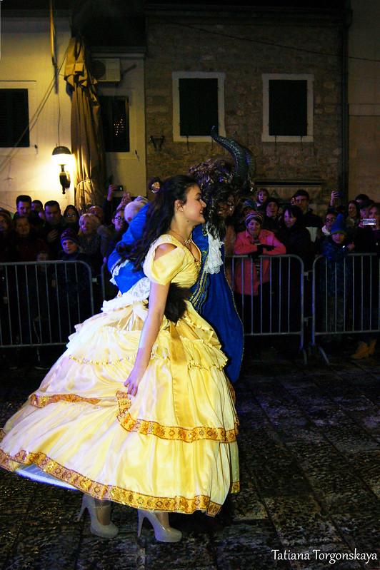 Танец Белль и Чудовища