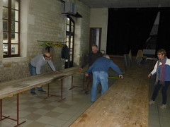 39 Dimanche  préparation de la salle pour la fête - Photo of Houlette