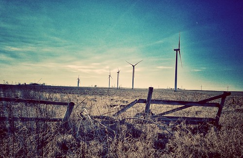 field fence fencefriday old broken windfarm windturbine windenergy renewableenergy farm abandonedfarm ruraldecay decay forgotten abandonedillinois dekalb country hff