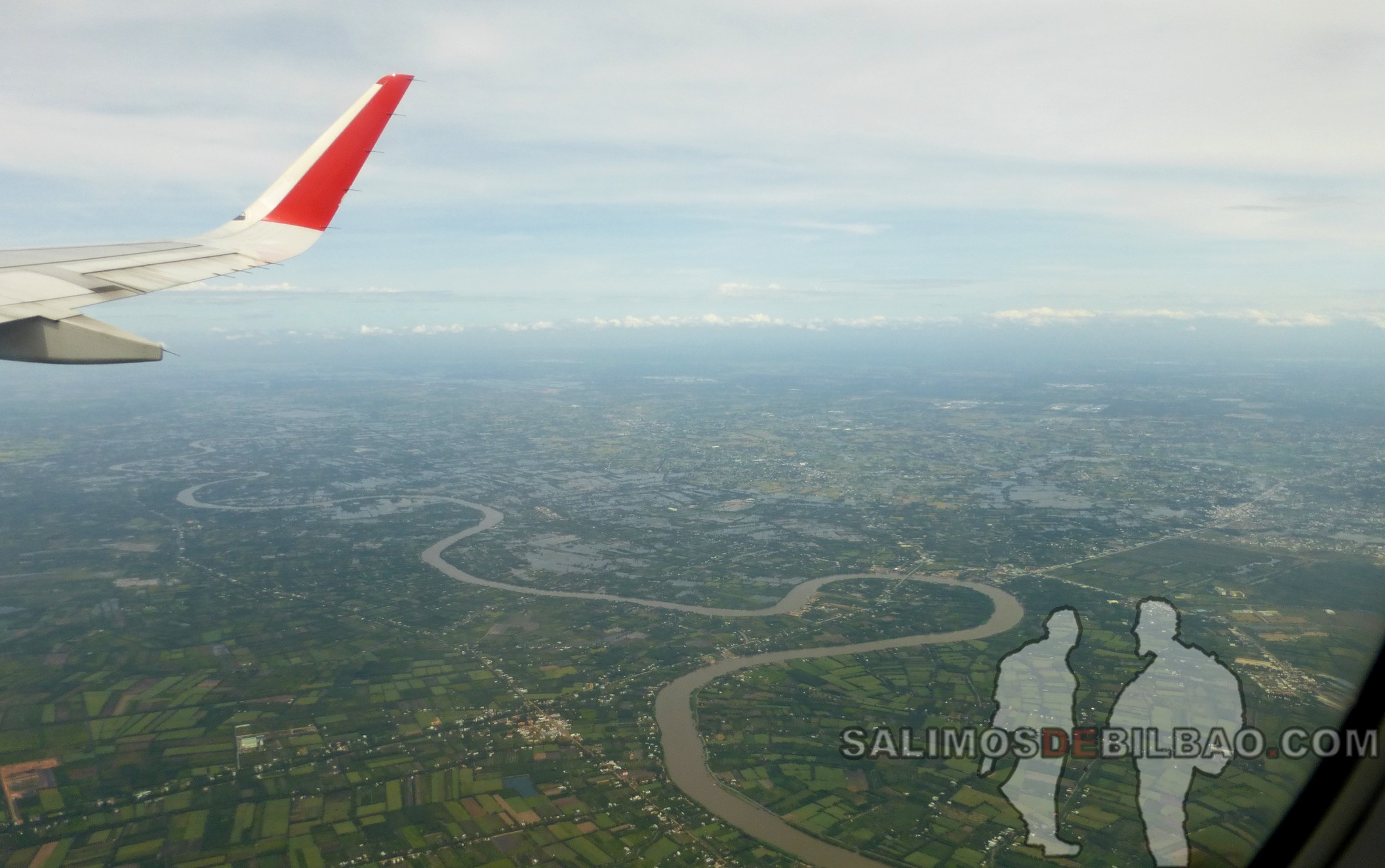 0053. Avión de Ho Chi Minh a Phu Quoc