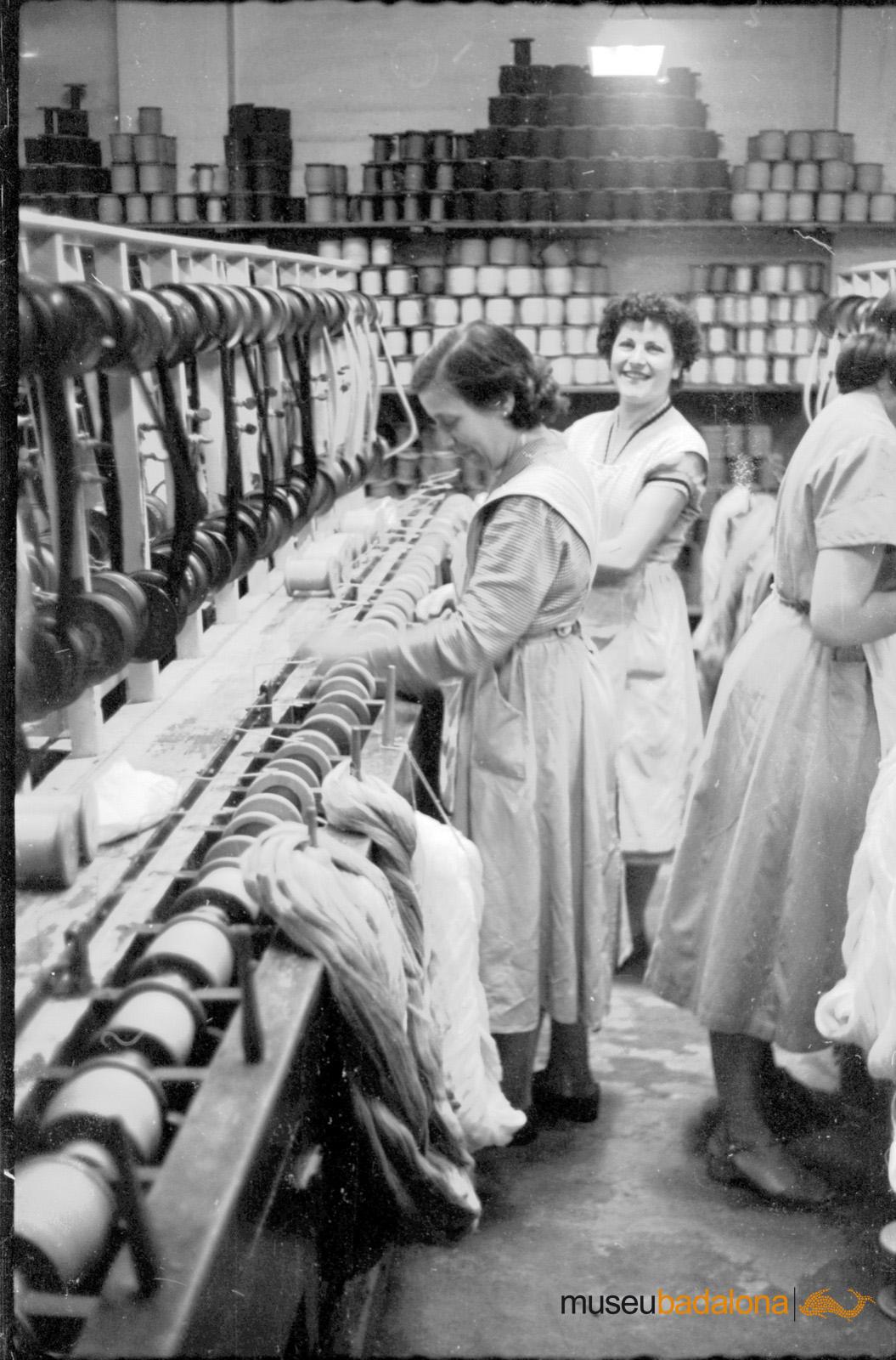 Dones treballant a Can Cuyàs