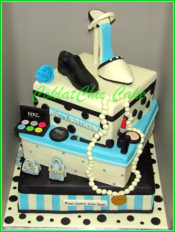 Cake Fashion  24 cm + 20 cm + 15 cm