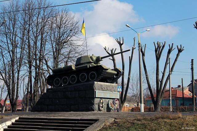 Пам`ятник-танк Т-34
