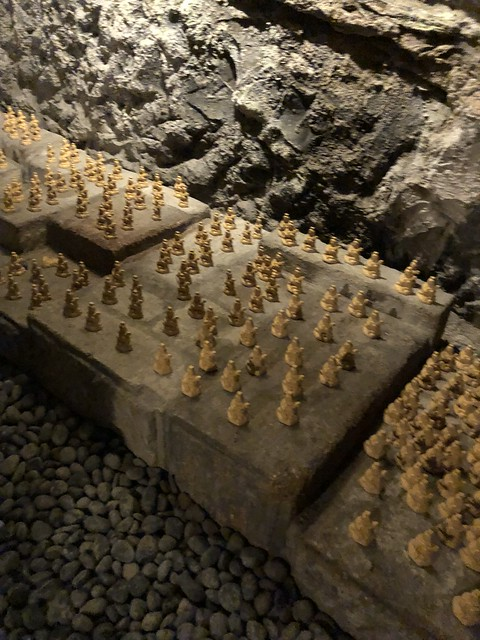 Millions of little Kannon statues in the caves