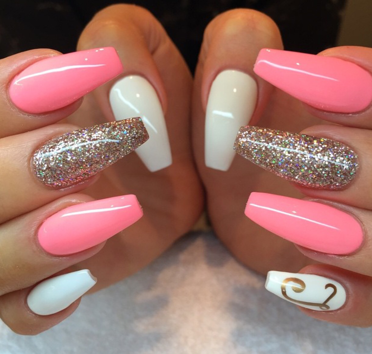 Fun And Pretty Pink And White Acrylic Nails Fashion 2d
