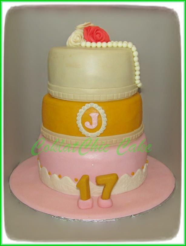 Cake sweet 17th J  18+15+12 cm