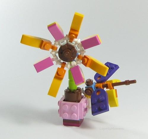"Alt build #3 from Friendship Flower polybag: ""Dahlia & Dragonfly"""