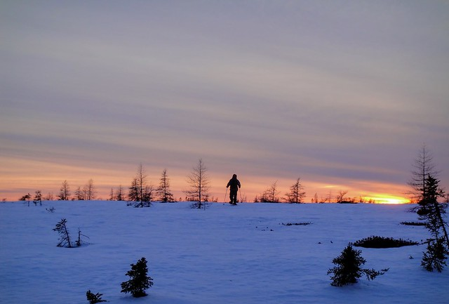 Skiing into the sunset, Sony DSC-T90