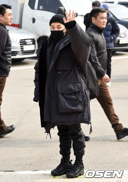 BIGBANG via yoooouBB - 2018-03-12  (details see below)