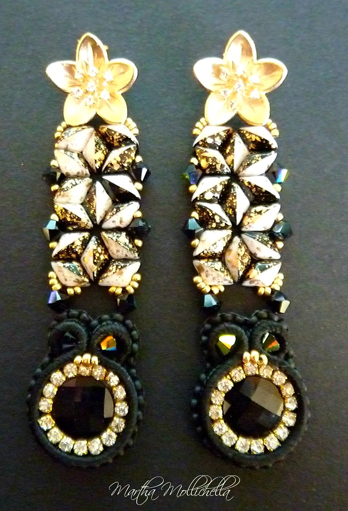 gemduo gold splash black and white beadsmith