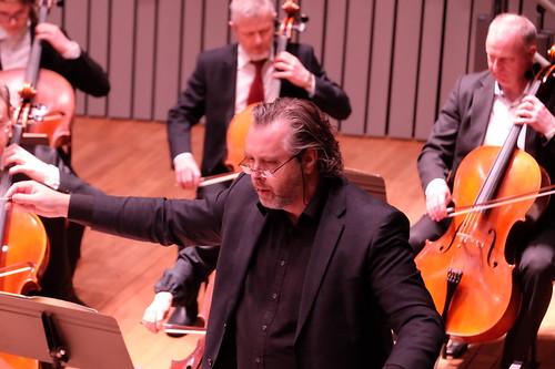 Miguel Ramos dirigerar Bråvikens Kammarsymfoniker