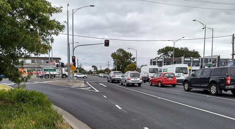 Warrigal Road/North Road intersection