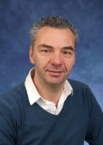 men. Raymond - Directeur