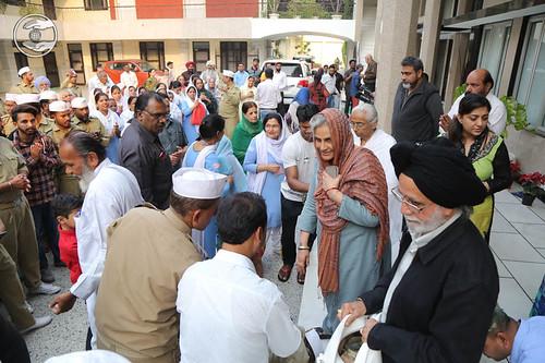 Devotees seeking blessings at Sant Nirankari Colony before departure to Yamuna Nagar