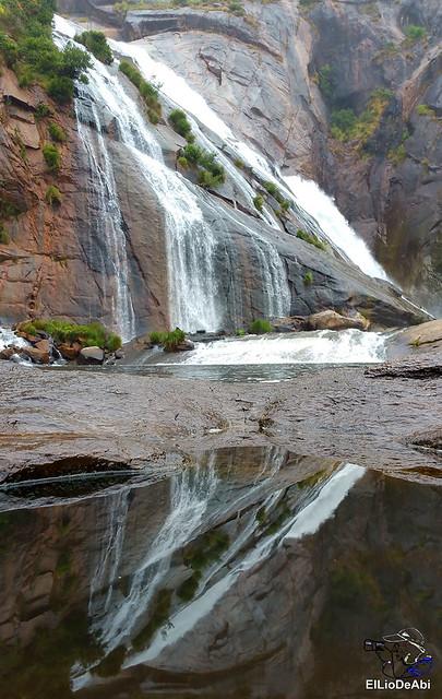 Disfrutar de la Cascada de Ézaro 8