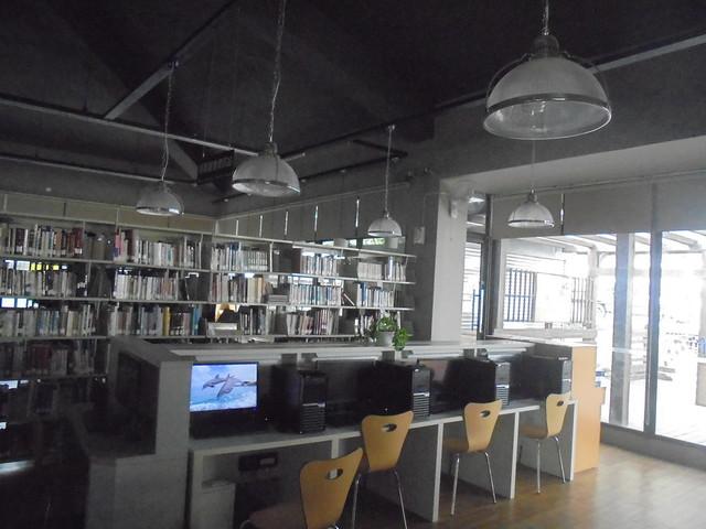 高雄市立圖書館桃源分館, Sony DSC-W810