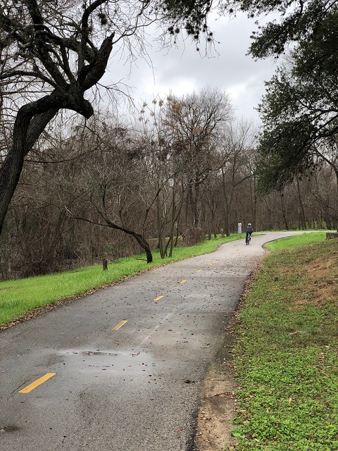 San Antonio - Riding on the trail