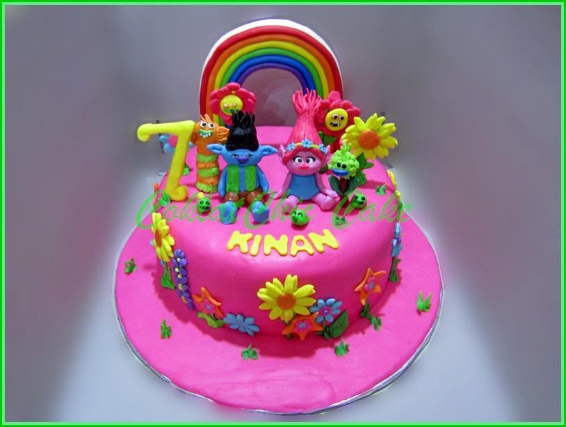 Cake Trolls KINAN 20 cm