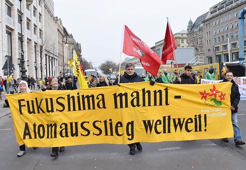10.03.18: Fukushima-Demo: Die nukleare Kette brechen