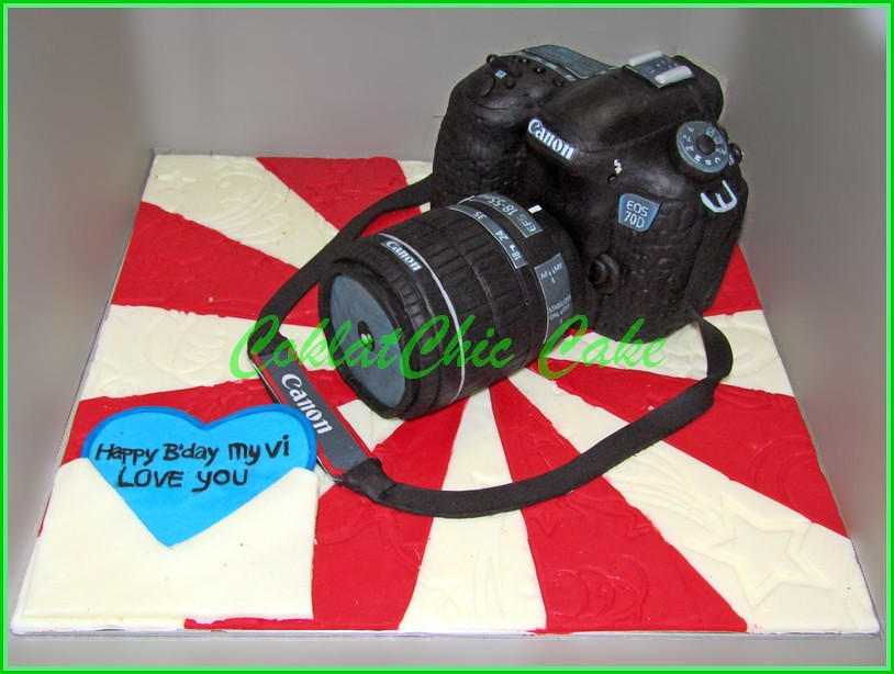 Cake Camera Canon EOS 70D Real Size
