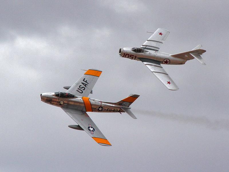 IMG_1541 F-86 vs MiG-15, NAF El Centro Air Show