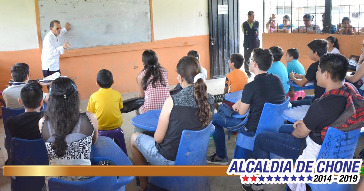 900 estudiantes en el curso vacacional