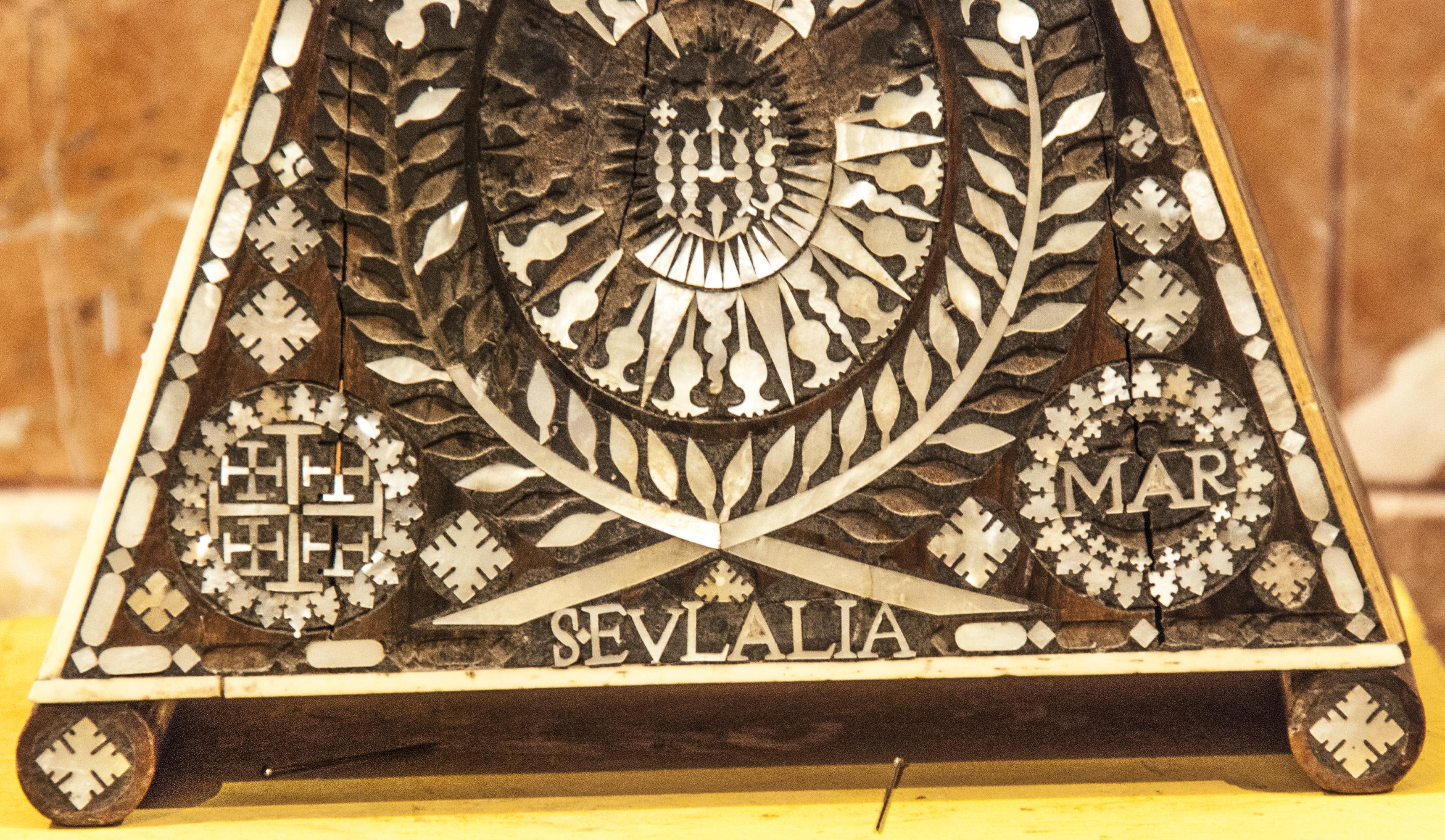 Santa Eulalia detalle cruz