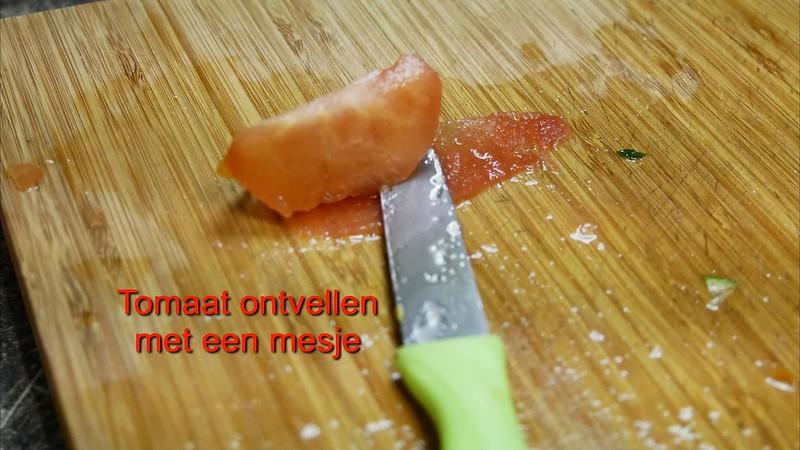 tomaat ontpellen