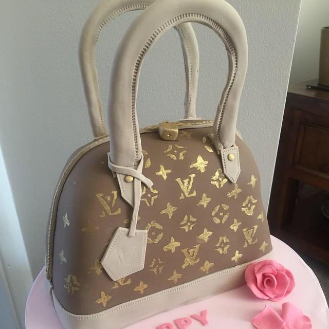 LV Handbag Cake by Jan-e-licious cakes