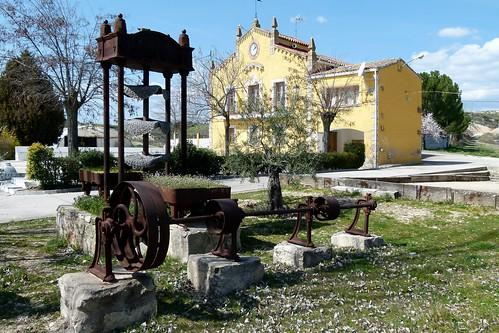MONTARRÓN (Guadalajara). Spain. 2014. Ayuntamiento y antiguas maquinarias rurales.