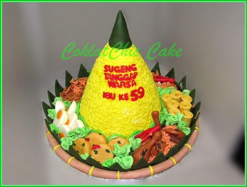 Cake Tumpeng Nasi Kuning Ibu 15 cm