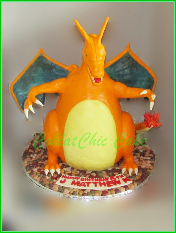 Cake Pokemon Charizard MATTHEW 40 cm
