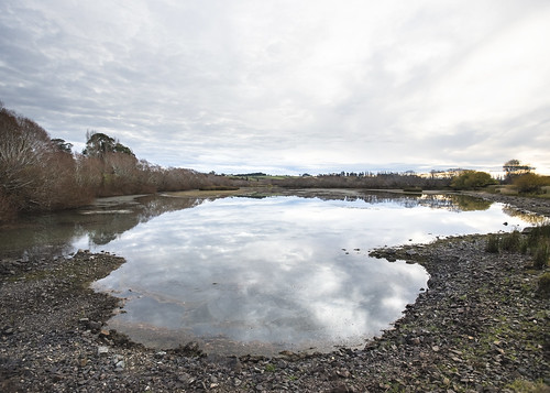 lisaridings fantommst nz newzealand balclutha otago clutha river dusk pond overflow