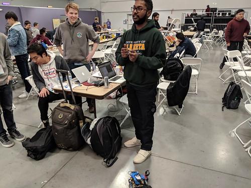 Robot hackare